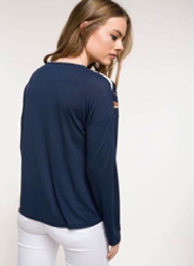 DeFacto Dantel Detaylı Desenli Bluz Lacivert